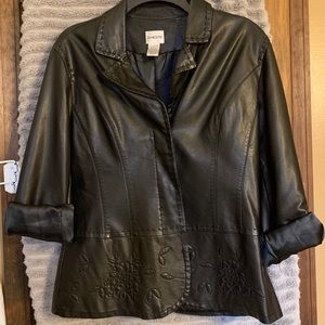 Chico's Faux Leather jacket size 1 great with Jean
